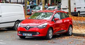 Une Clio s'enlise et se noie à Arromanches : c'est la mer qui prend la voiture