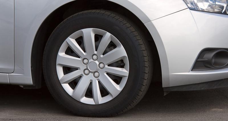Entretien de ma voiture : 3 astuces pour garder et rénover les enjoliveurs