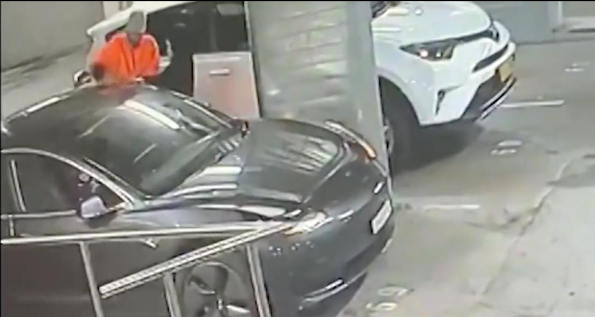 Après s'être fait voler sa Tesla Model 3, elle décide de rendre fous les voleurs à distance (vidéo)