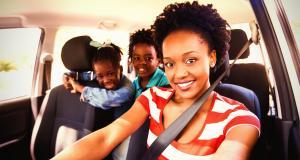 Reconfinement : puis-je emmener ou aller chercher mes enfants à l'école en voiture ?