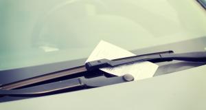 Reconfinement et voiture : quelle amende si je me déplace sans attestation valable ?