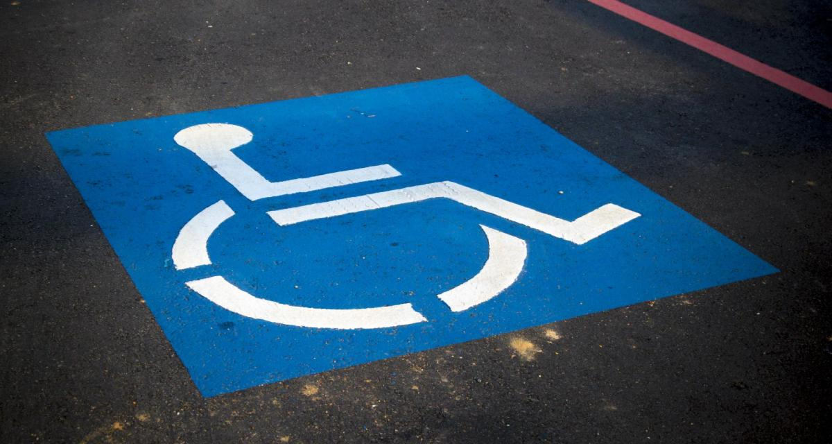 Malus écologique : personne handicapée et véhicule aménagé, quelles solutions ?