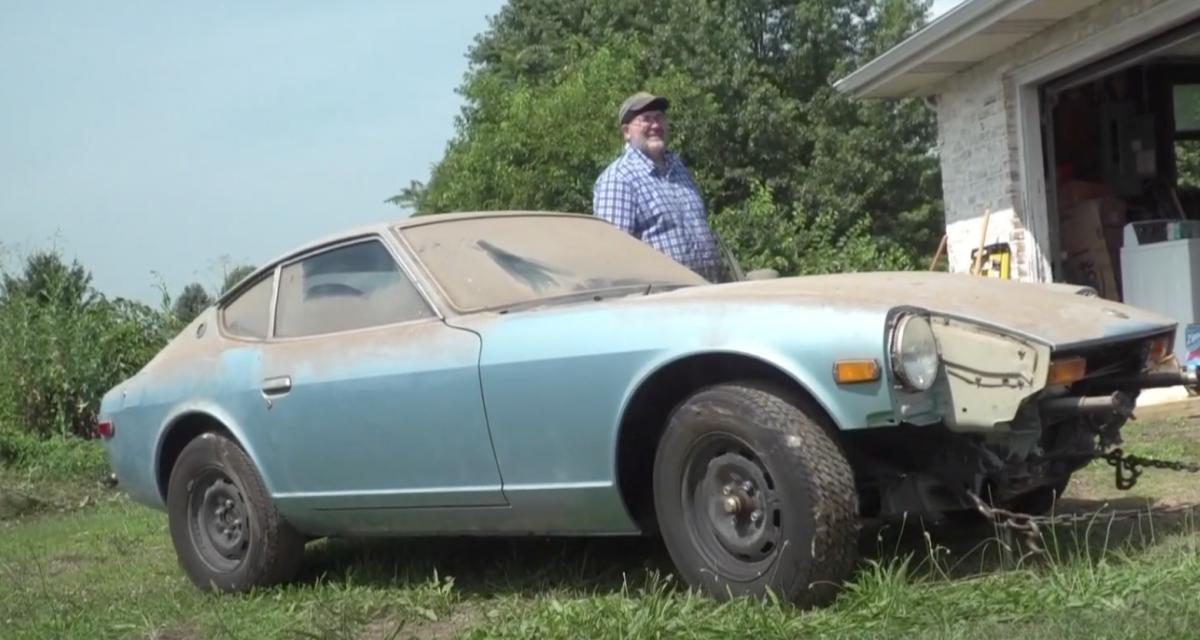 Ils nettoient une Datsun de 1976 jamais lavée : satisfaction garantie (vidéo)