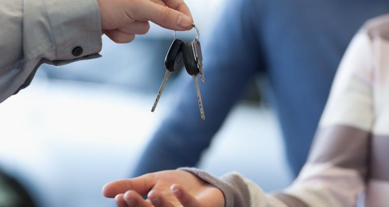 Confinement : puis-je aller chercher ma nouvelle voiture chez le concessionnaire ?