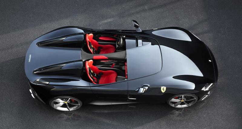 Une Ferrari SP2 Monza