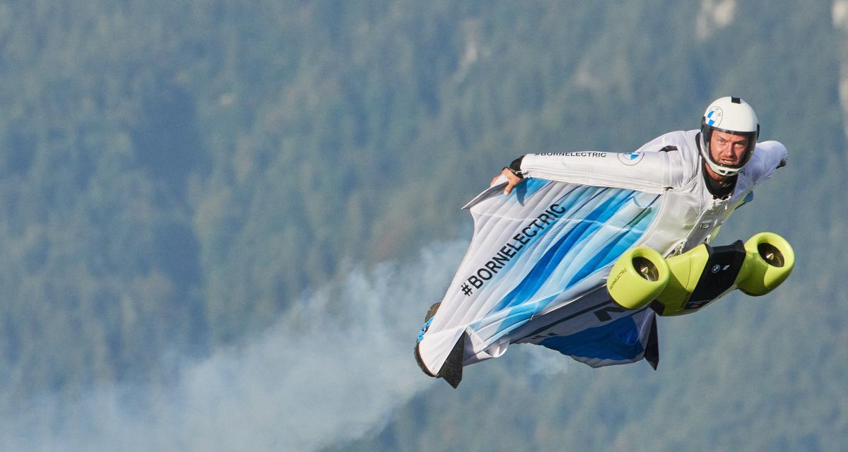BMW Electrified Wingsuit : 300 km/h en combinaison de vol à moteur électrique