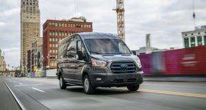 Ford E-Transit (2022) : 350 km d'autonomie, nouvelle référence chez les utilitaires électriques ?