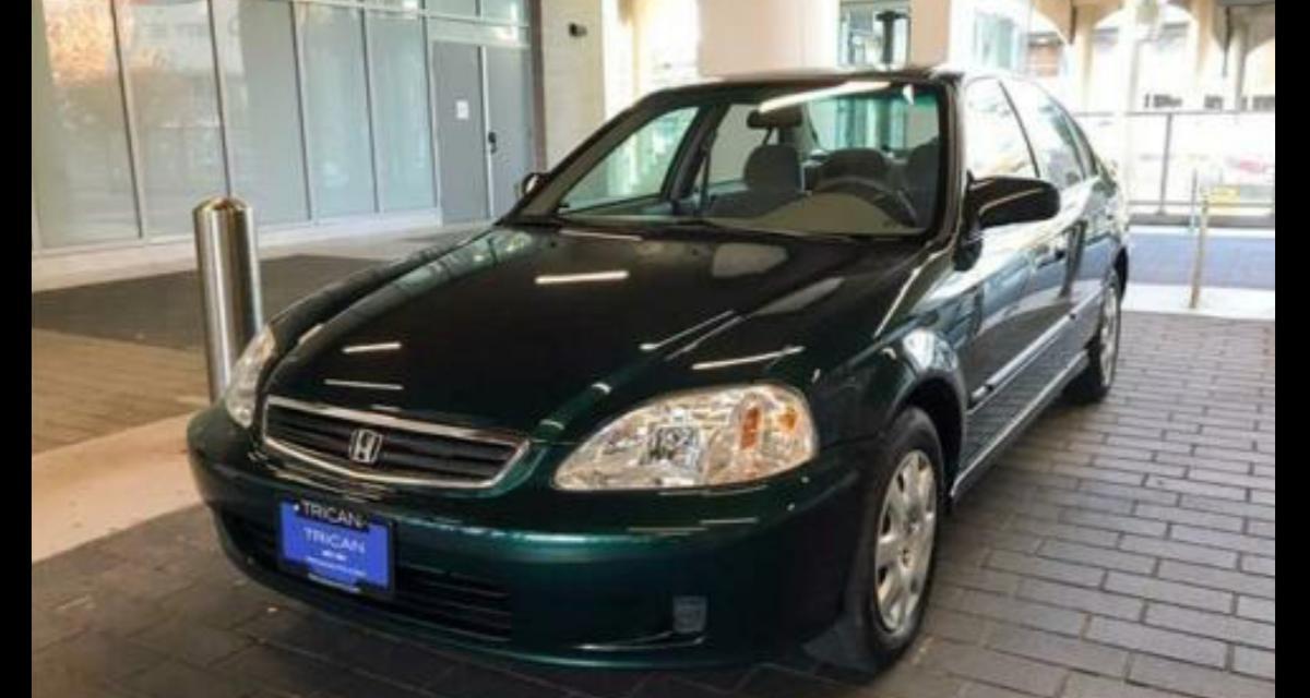 À vendre : Honda Civic SE (2000) avec seulement 9.200 km au compteur