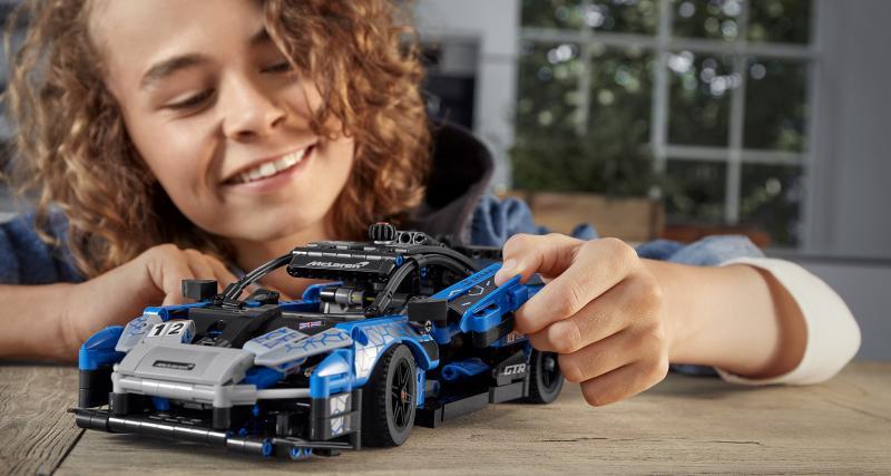 Lego débarque avec une réplique de la McLaren Senna GTR, avis à tous les fans