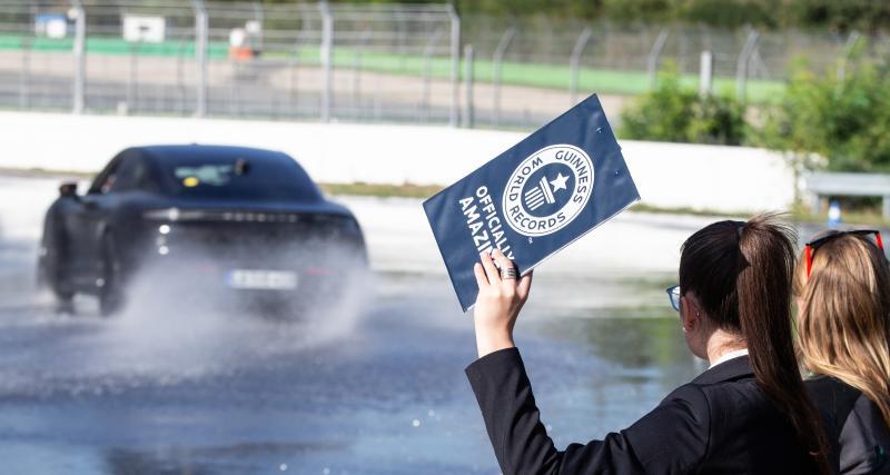 Le Porsche Taycan entre dans le Livre Guinness des records