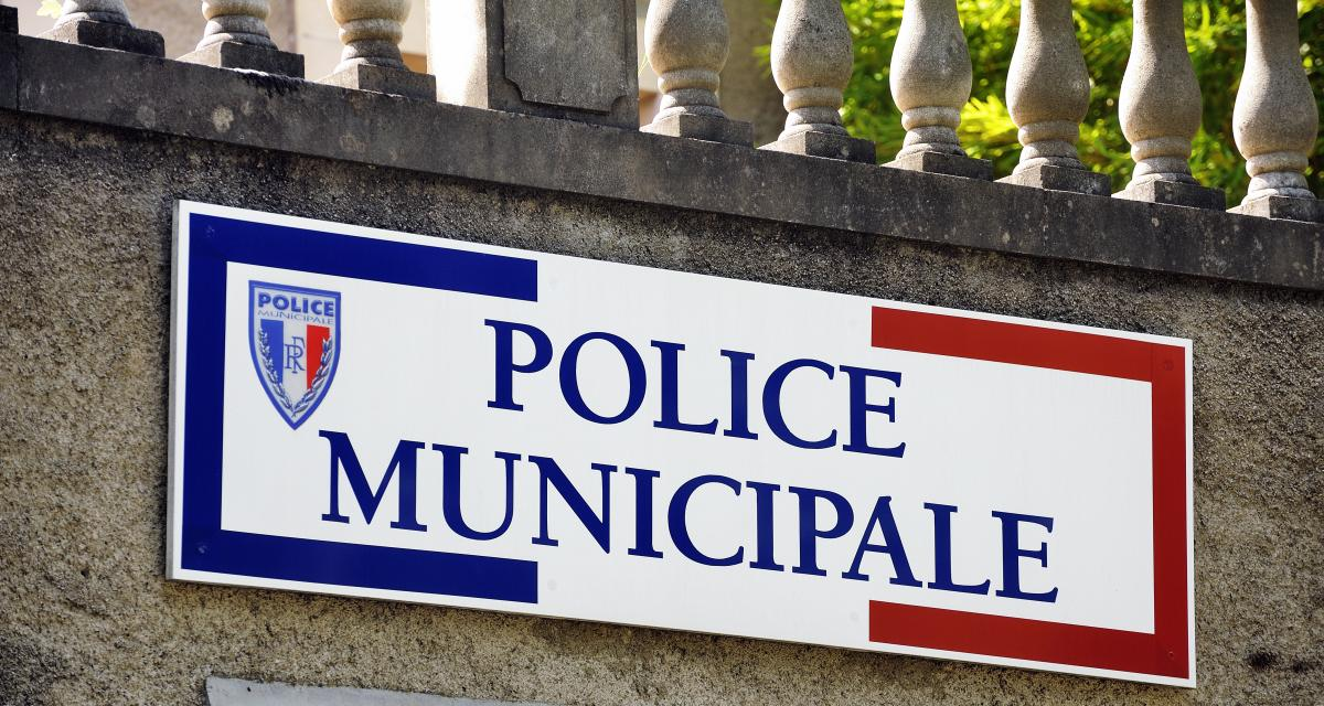 Deux policiers municipaux condamnés pour avoir reçu 600€ en cash d'un automobiliste garé en double file