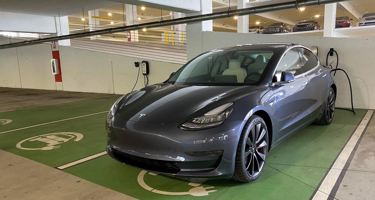 900 Tesla rappelées en Chine pour un problème de toit