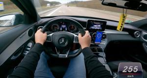 À fond de compteur sous la pluie, cette Mercedes C43 AMG frôle les 260 km/h (vidéo)