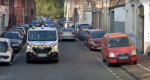Un policier français pris en photo en train de saluer la Google Car avec… des doigts d'honneur