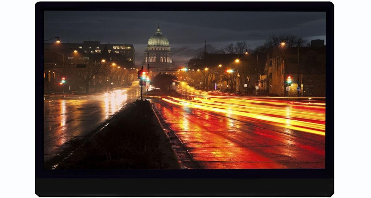 Phonocar commercialise un écran vidéo 4K très complet pour les passagers arrière