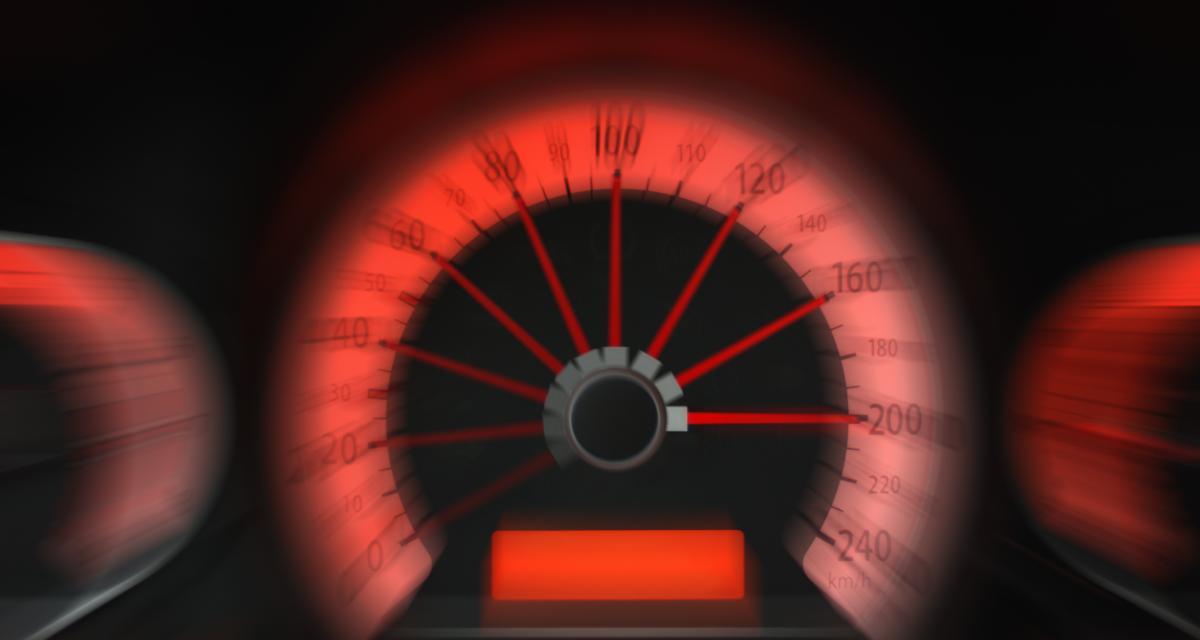 Une Porsche et une Audi font la course à plus de 170 km/h, la police intervient