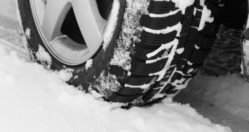 Danger : 3 raisons de ne surtout pas rouler avec des pneus été en hiver