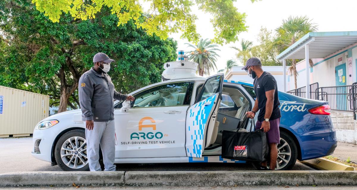 Ford aide les œuvres de charité à Miami grâce à ses véhicules autonomes