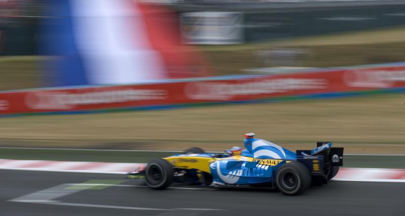 Retour vers le futur pour Fernando Alonso à Abu Dhabi avec la Renault R25 de 2005