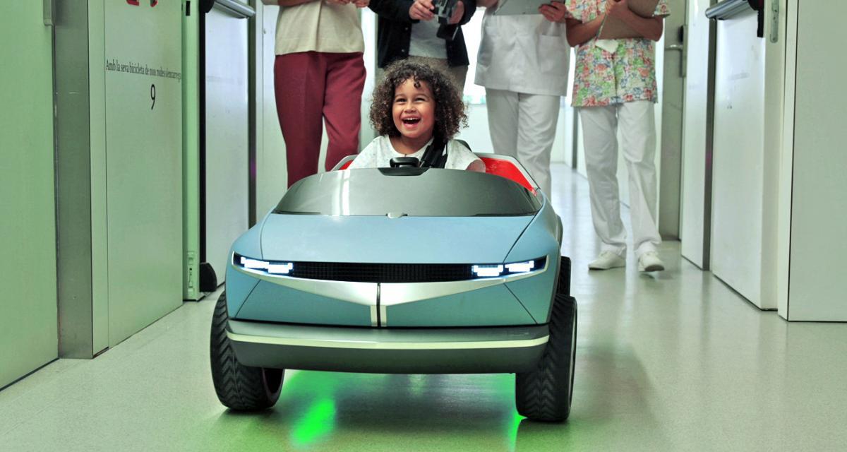La mini voiture électrique de Hyundai qui rassure les enfants malades en route vers le bloc opératoire