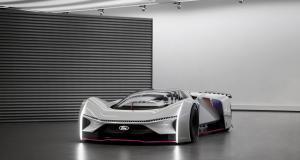 Les gamers de la Team Fordzilla dévoilent leur super-sportive P1 grandeur nature