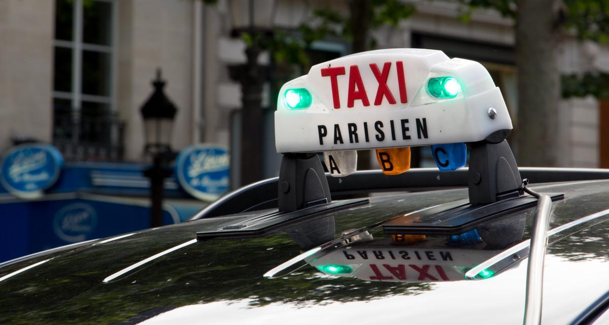 Un réseau de chauffeurs de taxis clandestins démantelé, plusieurs centaines de personnes impliquées
