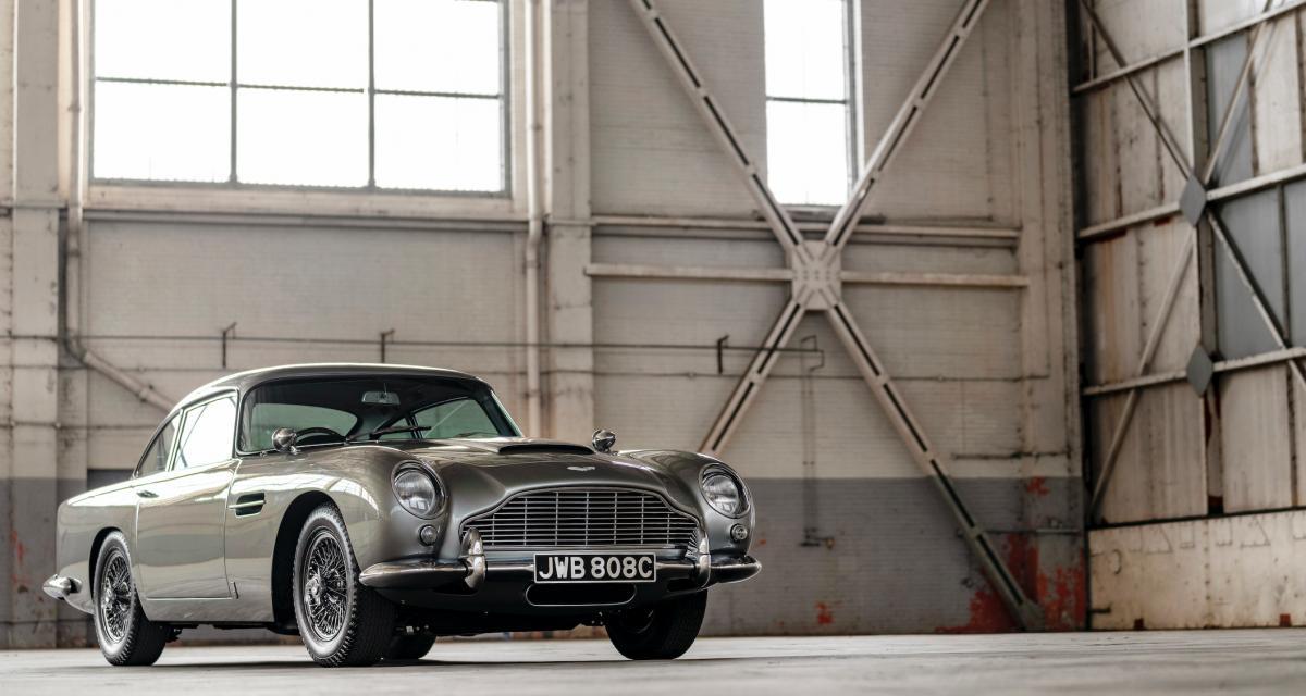 James Bond : 101 voitures de légende, le livre pour tous les fans du célèbre espion britannique