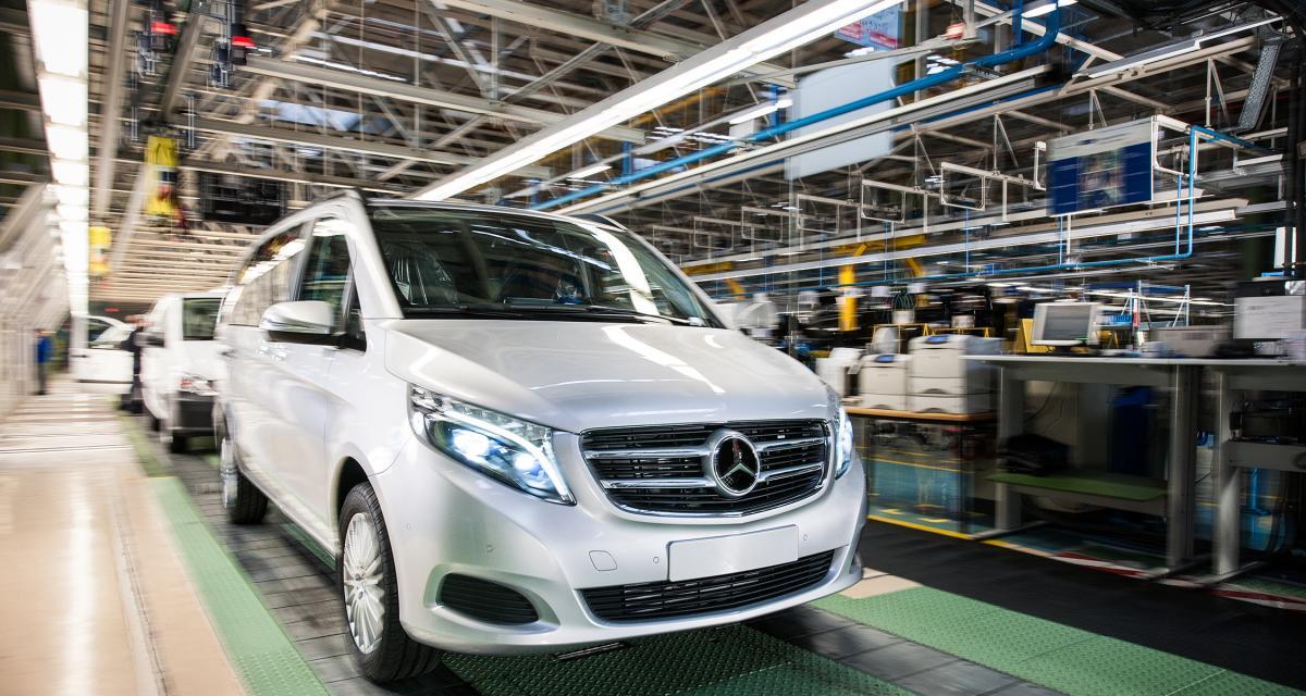 Un ancien employé mécontent revient se venger à l'usine Mercedes, plus de 50 véhicules détruits