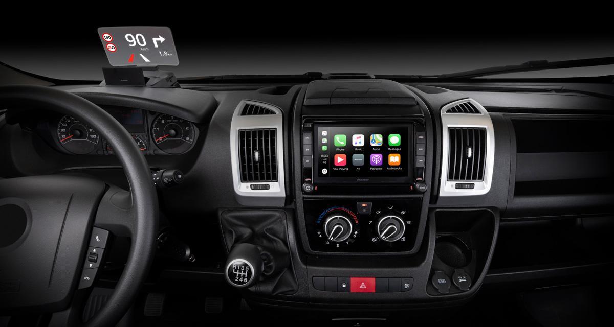 Pioneer commercialise un autoradio GPS spécial Fiat Ducato avec affichage tête haute
