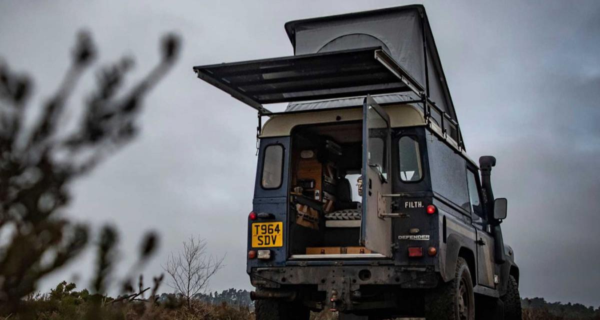 Le Land Rover Defender transformé en camping-car de l'extrême grâce à Felix Collier