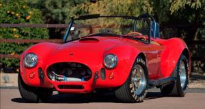 """Offrez-vous la superbe Shelby Cobra 427 """"FAM"""" de Paul Walker"""