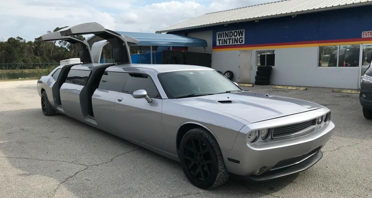 Comment se la jouer millionnaire américain avec cette limousine Dodge Challenger