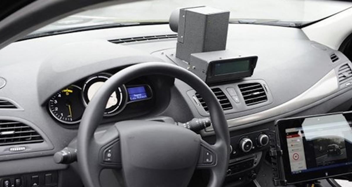Comment repérer une voiture radar privée ? L'indice imparable du petit rectangle