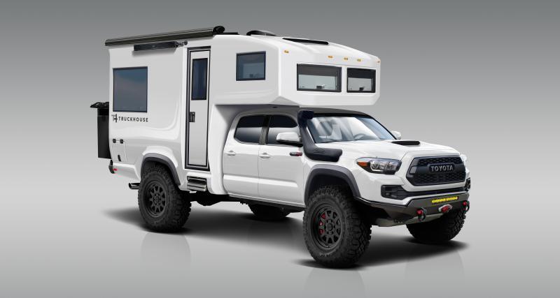 Le Toyota Tacoma transformé en camping-car paré pour l'expédition