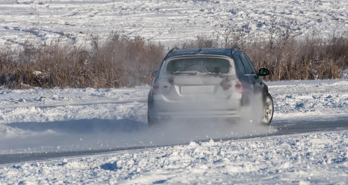 VIDEO - Drifter sur la neige ça semble amusant mais ce n'est pas aussi facile qu'on le croit, la preuve