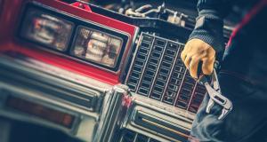 Comment rénover sa voiture à moindres frais ? Voler les pièces chez votre voisin