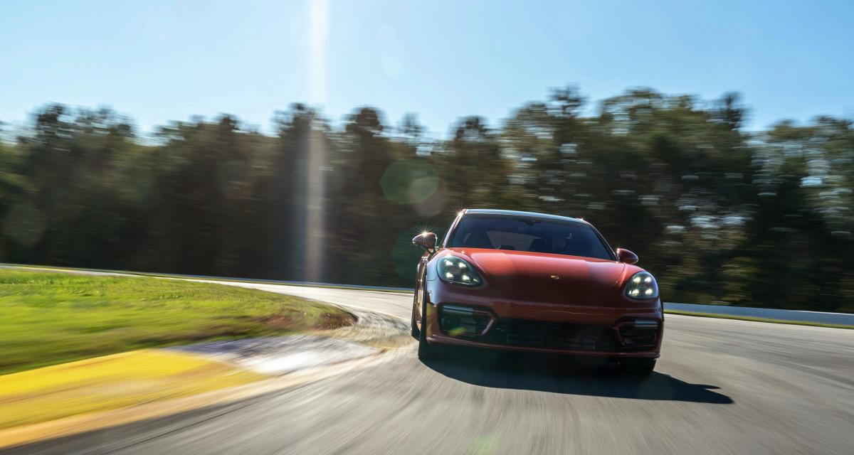 VIDEO - La nouvelle Porsche Panamera Turbo S ajoute un nouveau trophée à sa collection au circuit d'Atlanta