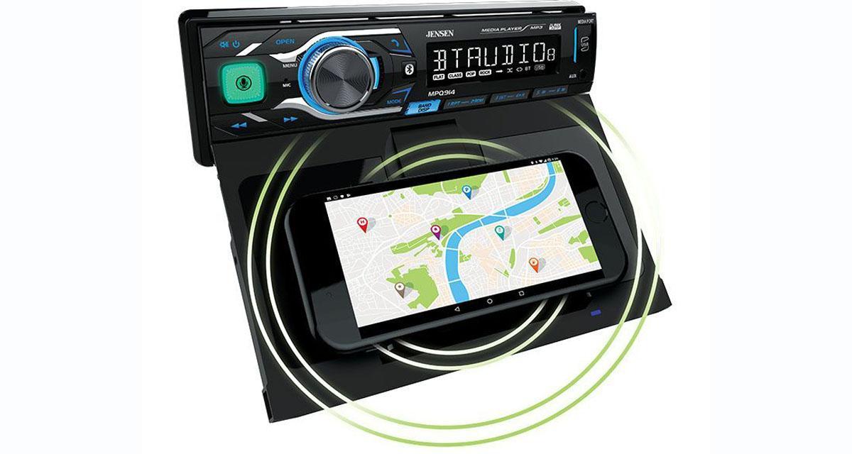 Un autoradio intégrant la recharge sans fil pour Smartphone chez Jensen