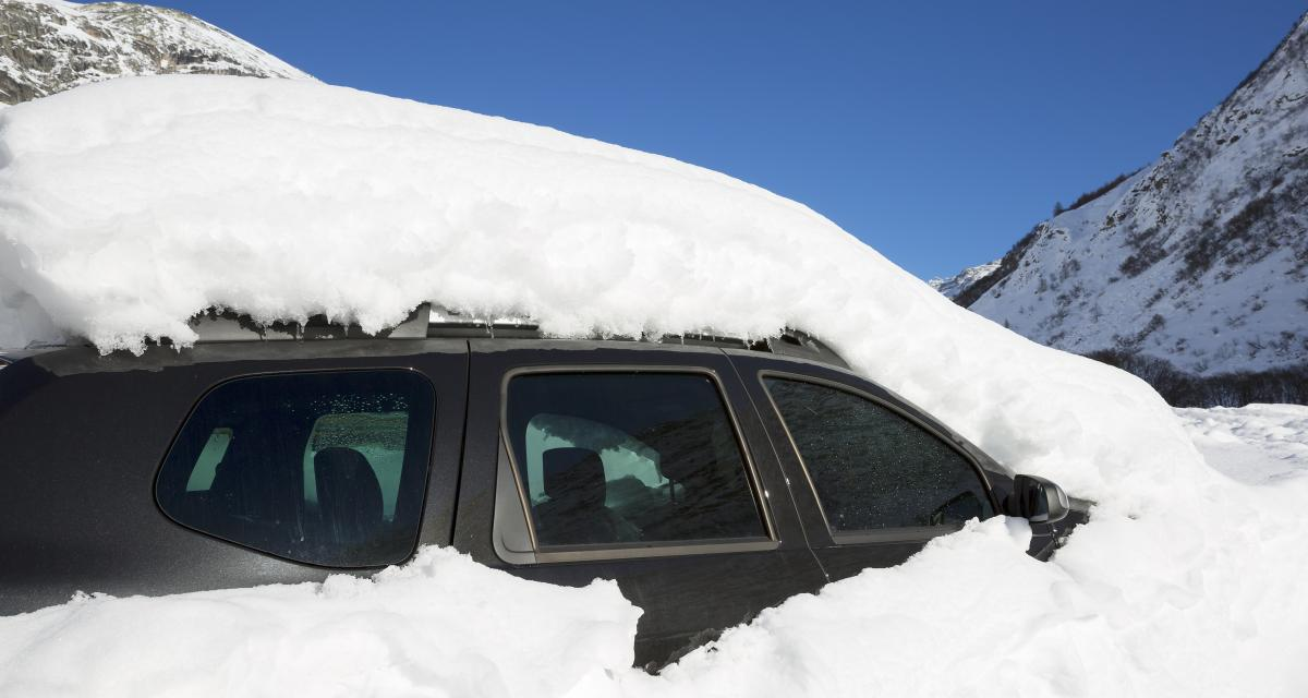 108$ d'amende pour une voiture pleine de neige, ça fait chère la poudreuse