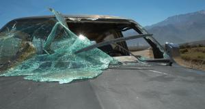 VIDEO - Malgré ce crash très impressionnant, les deux passagers s'en sortent avec de légères blessures