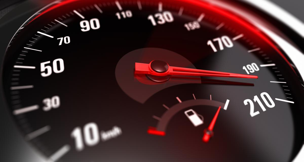 À 214 km/h au lieu de 70, ce jeune conducteur de seulement 20 ans n'est pas loin de battre un triste record