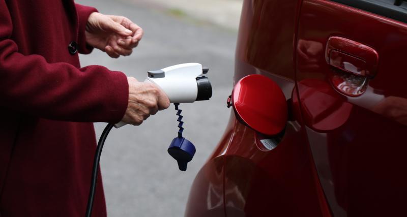 2 méthodes pour recharger ma voiture électrique à domicile