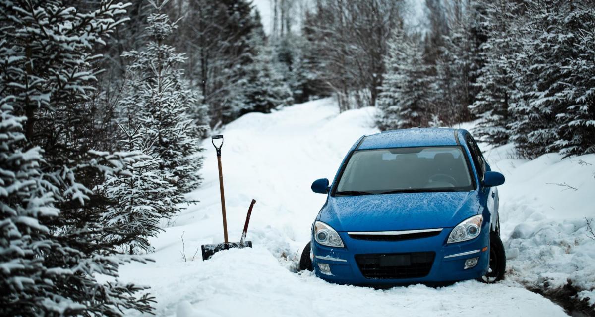 Il suit son GPS et se retrouve coincé dans une tempête de neige pendant une semaine