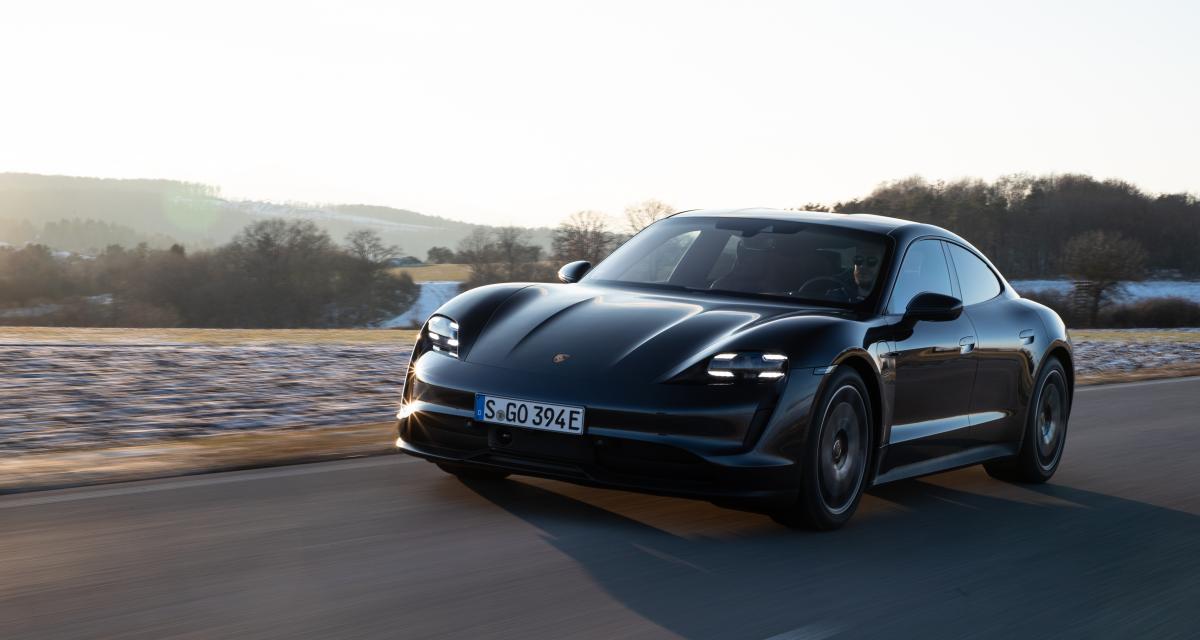 VIDEO - Ne jamais tester la vitesse d'une Porsche Taycan près d'un rond-point