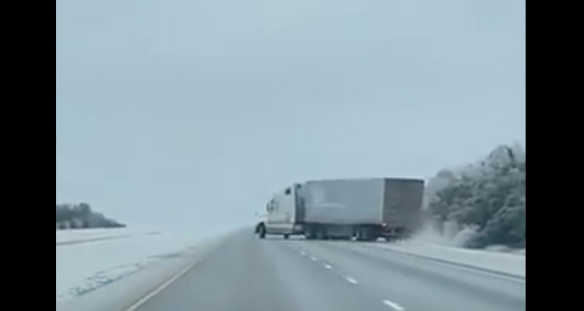 VIDEO - Ce poids lourd n'a pas vraiment apprécié cette route verglacée
