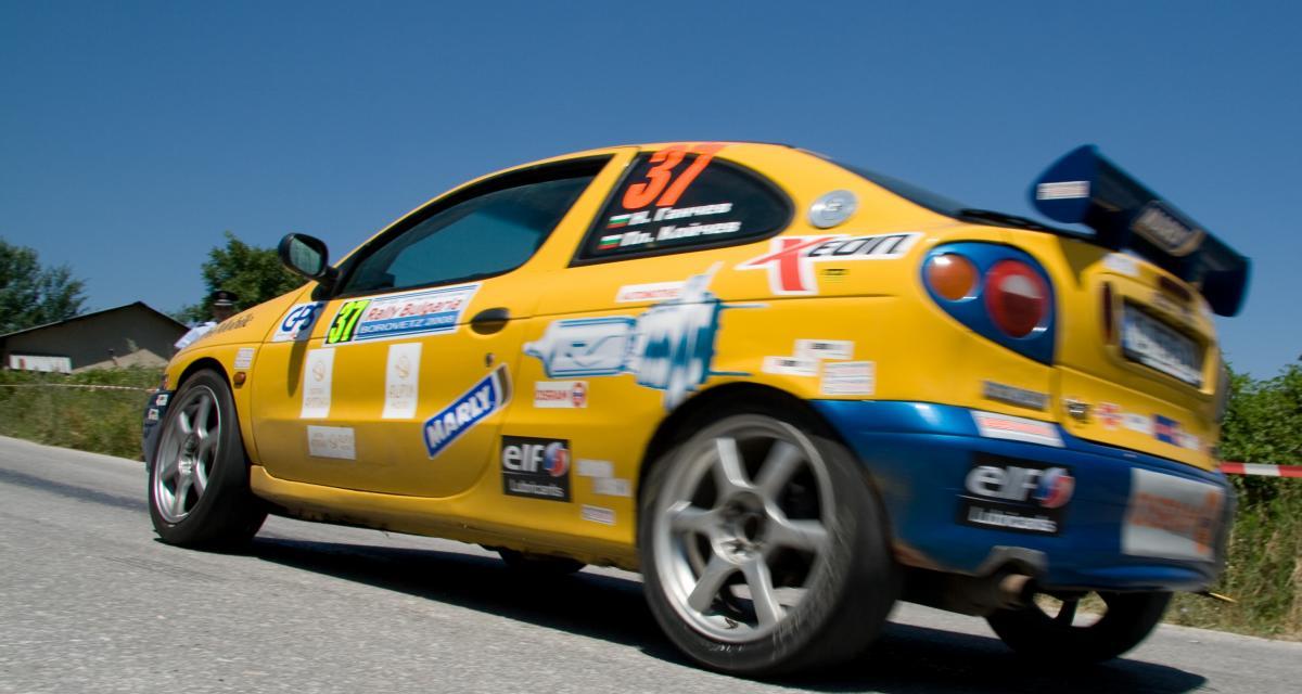 À 140 km/h au lieu de 90 au volant d'une Mégane RS… à seulement 15 ans