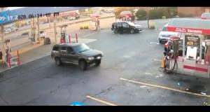 VIDEO - La marche arrière la plus stupide de l'histoire