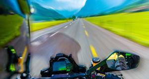 Jeu dangereux pour ce motard flashé à plus de 200 sur une départementale