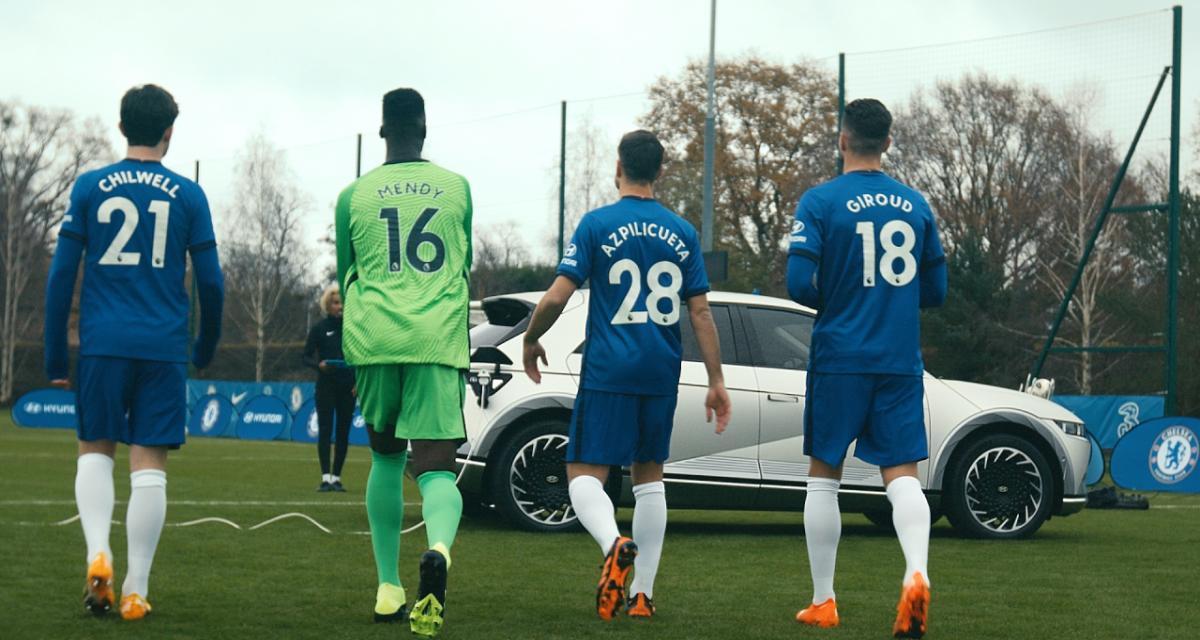 Giroud et ses coéquipiers de Chelsea à la découverte du nouveau Ioniq 5 de Hyundai