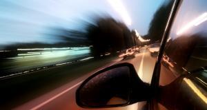 Flashée à plus de 160 km/h par les gendarmes, cette mère roulait avec ses deux enfants dans la voiture